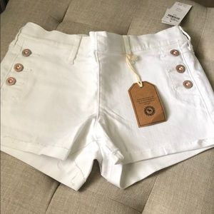 Girls Abercrombie White shorts Size 15/16 New!